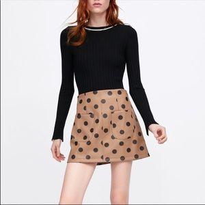 Zara / NWT Faux Leather Tan Black Polkadot skirt